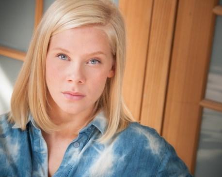 Caroline Johansen - By Headshots photographer Gilad Koriski