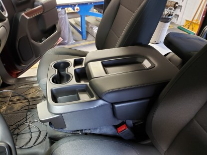 2019 - 2021 Chevy/GMC 40/20/40 with Opening Console