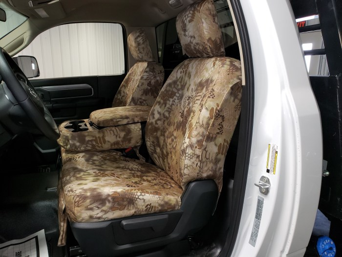 Headwaters Seat Covers 2019 Dodge 40/20/40 Non-Opening Middle Bottom