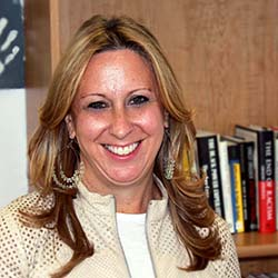 portrait of Lauren Girshon