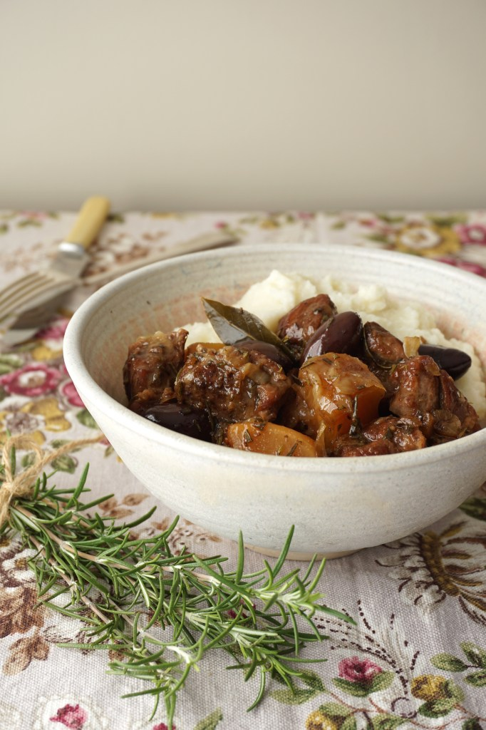 lamb stew with black olives and rosemary - AIP