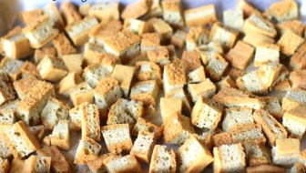 Toasted keto croutons