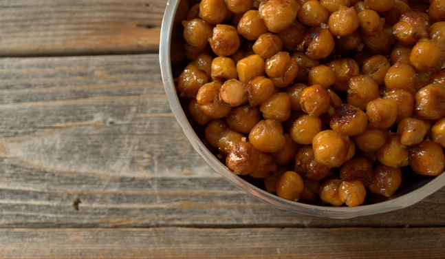 Spiced Maple Roasted Chick Peas: a Kid-Approved Crunchy Treat (free of dairy, nuts, corn, and other allergens)