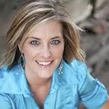 Paisley Hansen - contributing writer at 20somethingallergies.com