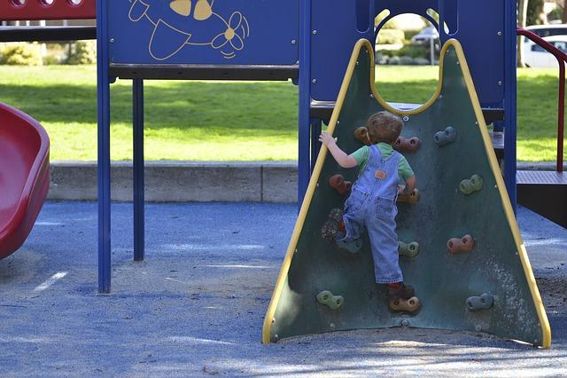子ども、公園、遊ぶ