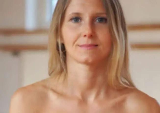 Yoga videos nackt Naked yoga: