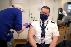 Unvaccinated United Airlines employees are already threatened with dismissal