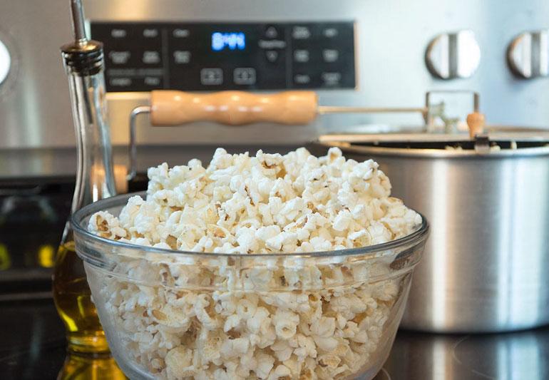 9 best tips for healthier popcorn