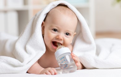 can-babies-drink-water-feed