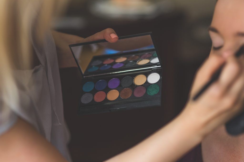 You do all your friends' hair and makeup for events - for free | Health & Style Institute | Makeup Artistry for Events | 1-844-94-STYLE