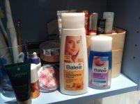 Faschingsschminke 7 Tipps für pickelfreie Haut healthandthecity.de Die Schminke muss auch wieder runter: Reinigungsmilch und Augen-Make-up-Entferner