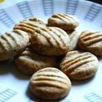 Zuckerfreie-Kekse: Unglaublich, aber es schmeckt! Backen: Ein Teller voll Zitronen-Mohn-Kekse