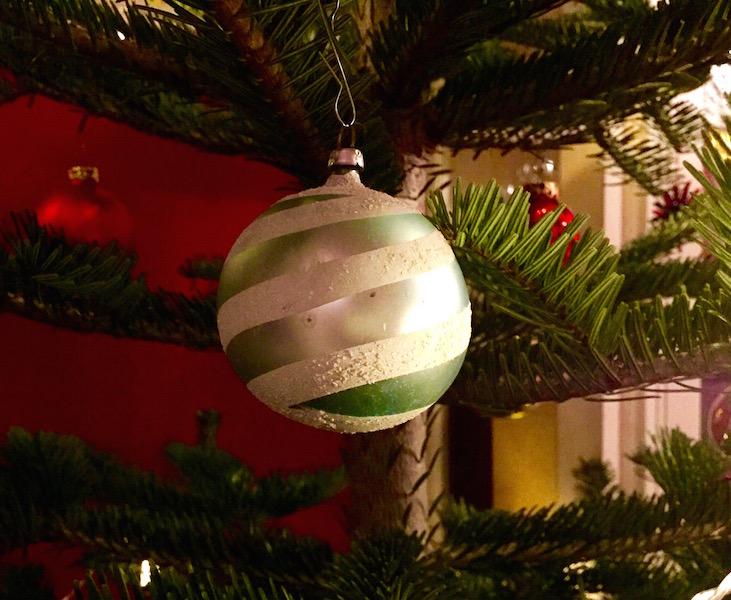 weihnachten-mit-omas-kugeln