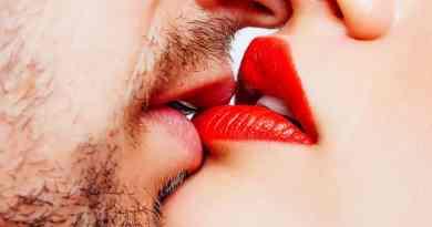 Kissing-Disease