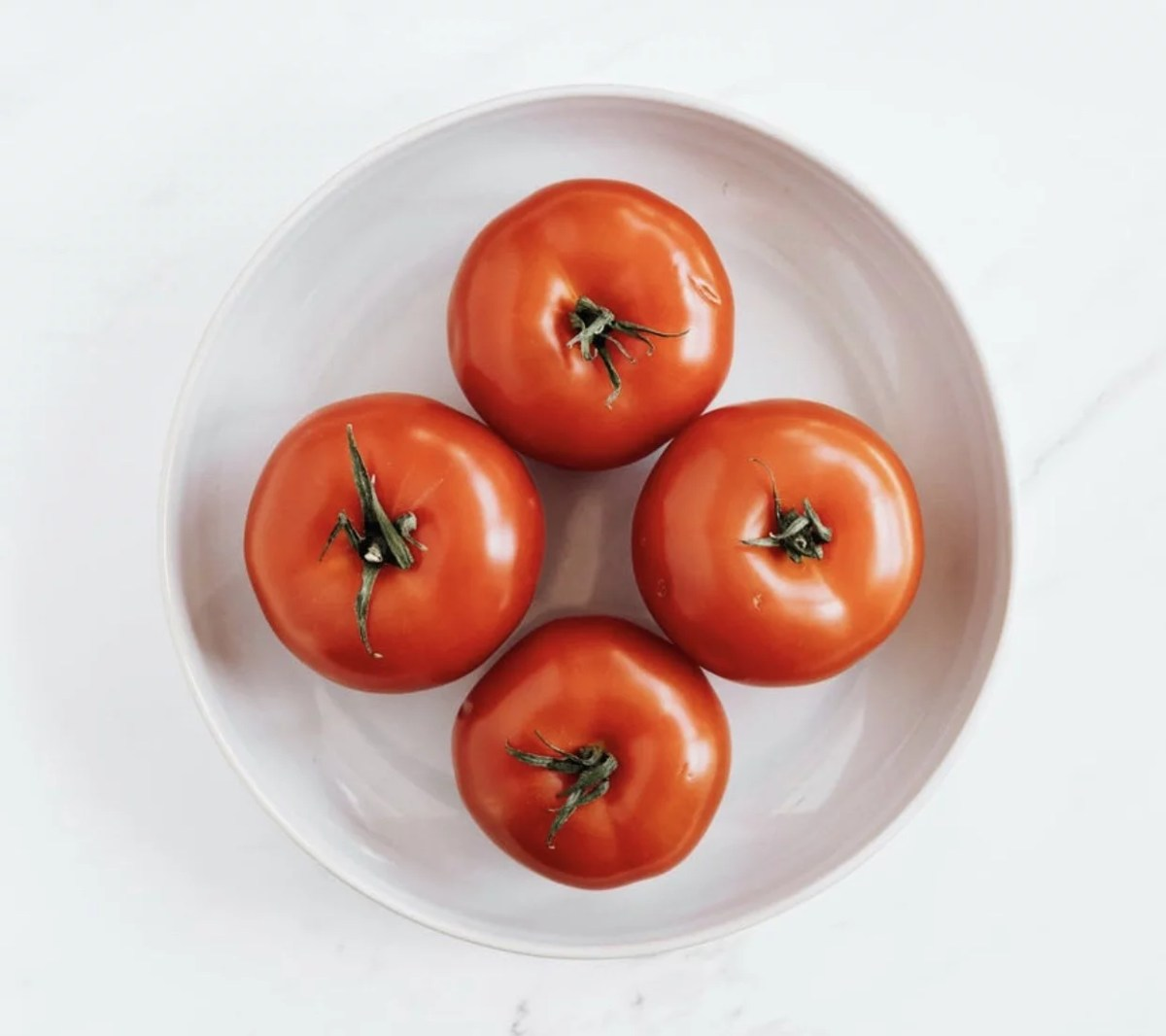 12 Serious Side Effects of Eating Tomatoes.