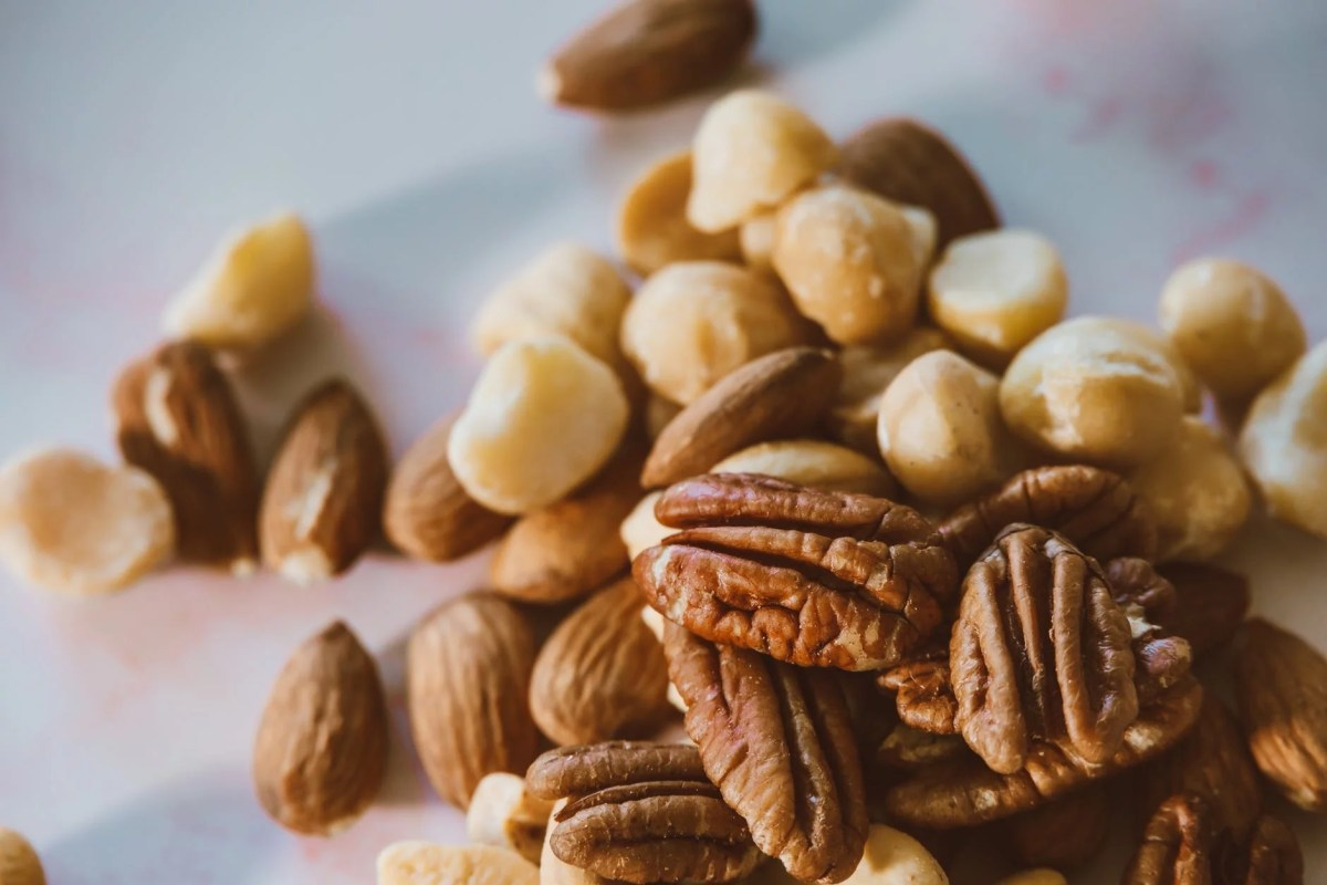 9 shocking health benefits of pecans
