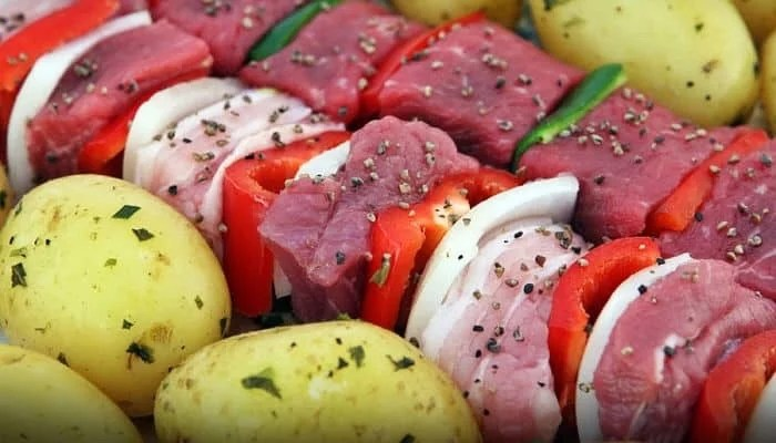- Beef skewers with peppers