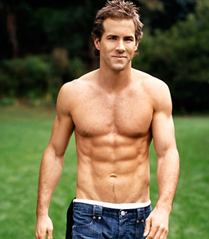 ryan_reynolds_Chest_Exercises_For_Gym_Workouts