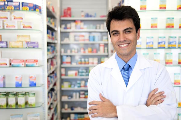 7 Reasons to Become a Pharmacist