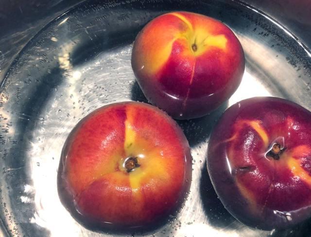 peaches flash boiled