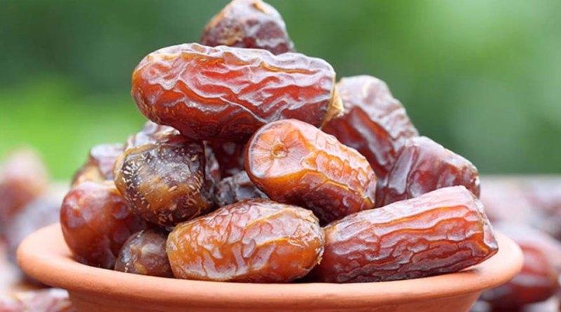 सर्दियों में रोजाना खाएं बस 5 खजूर, पंद्रह दिन में होंगे ये 10 जबरदस्त फायदे