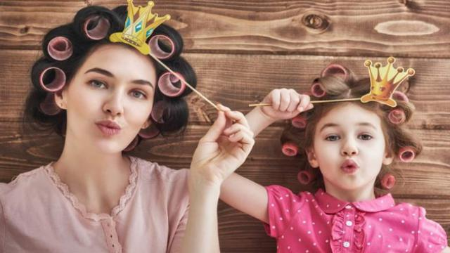 शोध में हुआ खुलासा, इस उम्र में अपनी मां की जैसी हो जाती हैं बेटियां