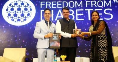 Dr-Pramod-Tripathi-MBBS-Founder-of-Freedom-From-Diabetes-Hon-Chief-Minister-Shri-Devendra-Fadnavisji-Dr.-Ritu-Tripathi-Classical-Homeopath-Co-Founder-of-Freedom-From-Diabetes.jpg