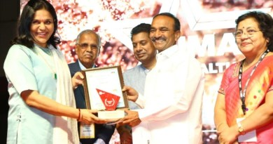 Dr. Sangita Reddy, receives the 'Best Female Healthcare leader', award at the IMA Awards ceremony