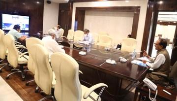 कोरोना संक्रमण क्षेत्रों में बिल्कुल न हो ढिलाई : मुख्यमंत्री श्री चौहान