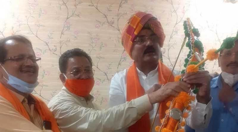 कृषि मंत्री से मंत्री श्री प्रेम सिंह पटेल ने सौजन्य भेंट की