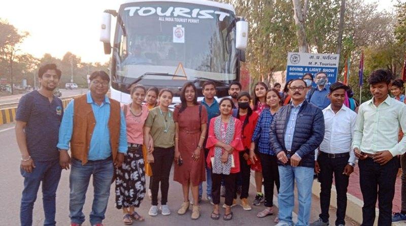 खजुराहो नृत्य समारोह में ई-बाइक टूर और धुबेला पर्यटन का रोमांच