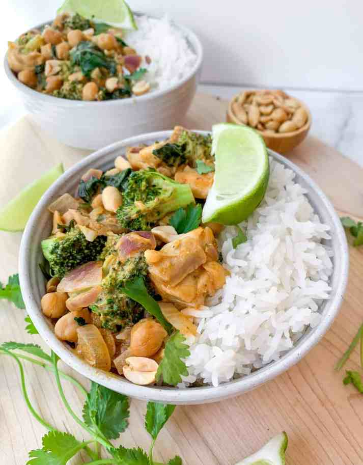 healthy thai peanut chicken curry
