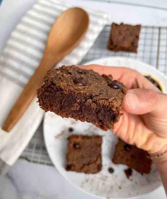 healthy vegan gingerbread protein blondies