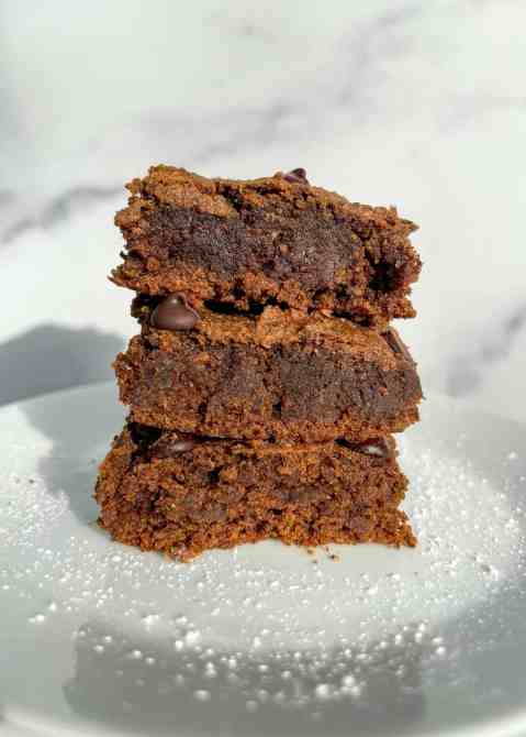 vegan gingerbread protein blondies