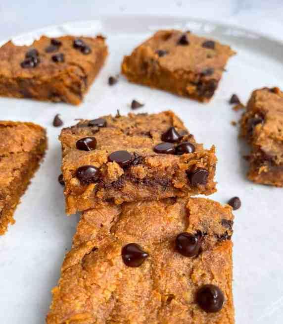 Vegan Sweet Potato Peanut Butter Blondies - recipe by Healthful Blondie