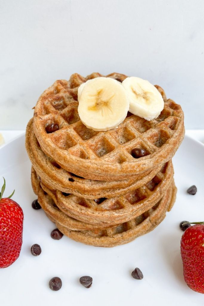 Vegan blender oatmeal waffles