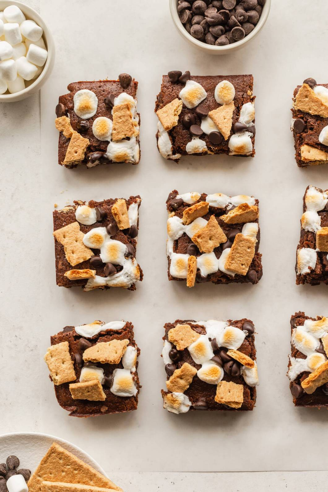 gluten free s'mores brownies with mini marshmallows