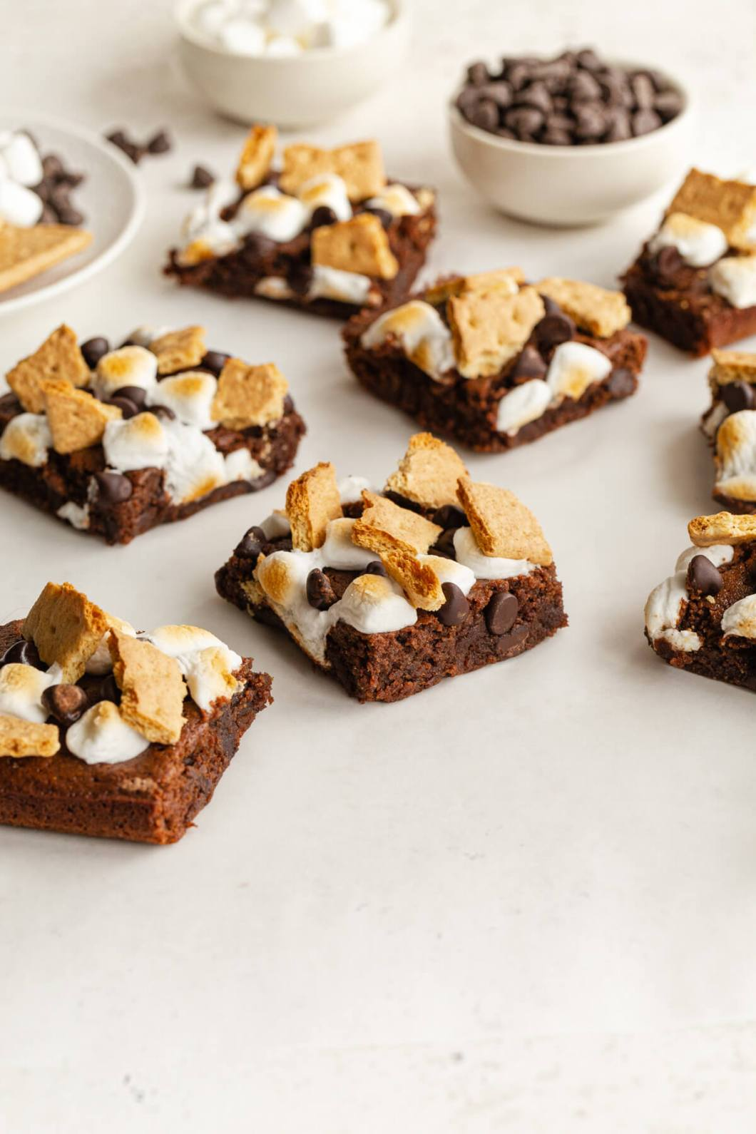 healthy s'mores brownie recipe with marshmallows, graham crackers, and chocolate chips