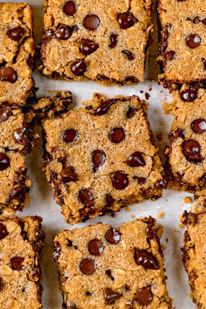 fluffy and healthy chocolate chip oatmeal bars