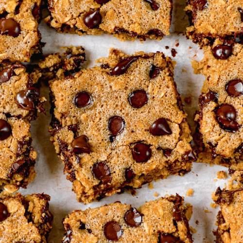 Moist, fluffy, healthy chocolate chip oatmeal bars