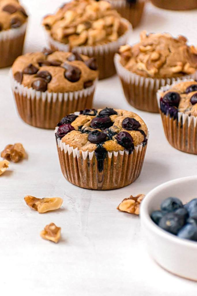 blueberry baked oats muffin