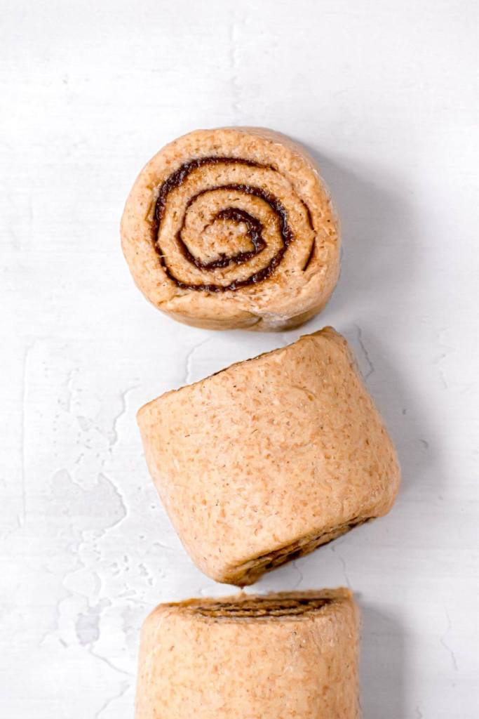 how to cut cinnamon roll dough
