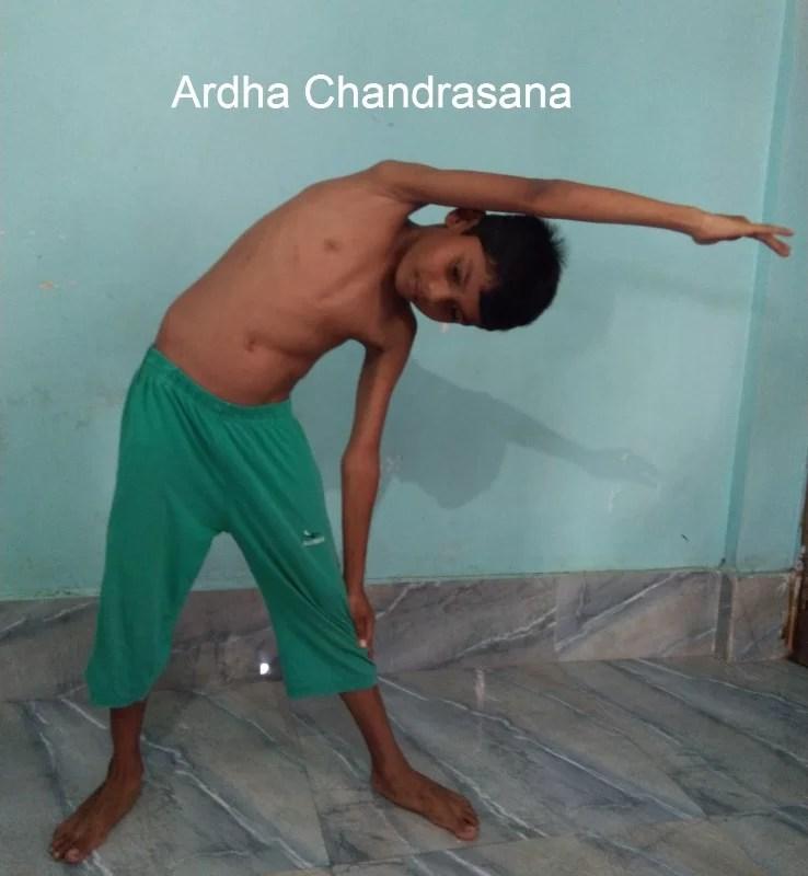 ardha-chandrasana
