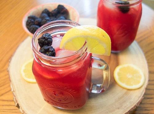How to make homemade blackberry lemonade