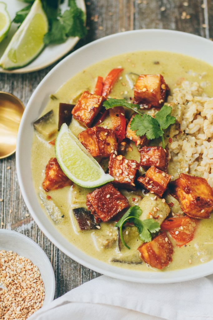 thai green curry with peanut tofu