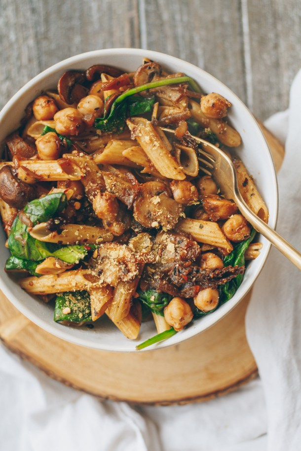Caramelized Onion, Mushroom and Chickpea Pasta