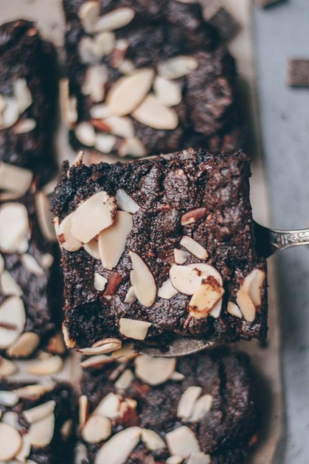 fudgy almond brownies