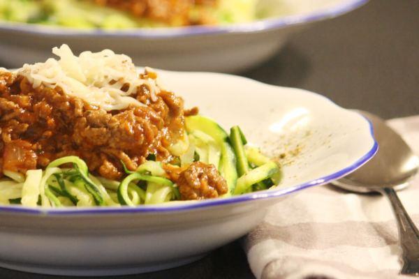 Spaghetti Bolognese aus Zucchininudeln