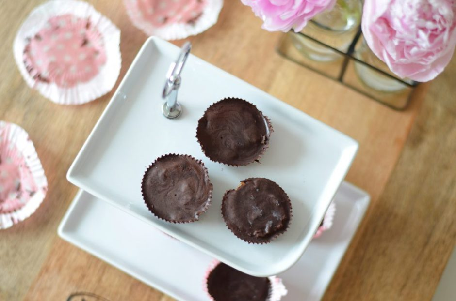 vegan salted caramel chocolate cups