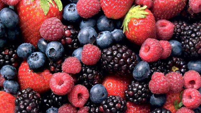 fruits for weight loss-berries